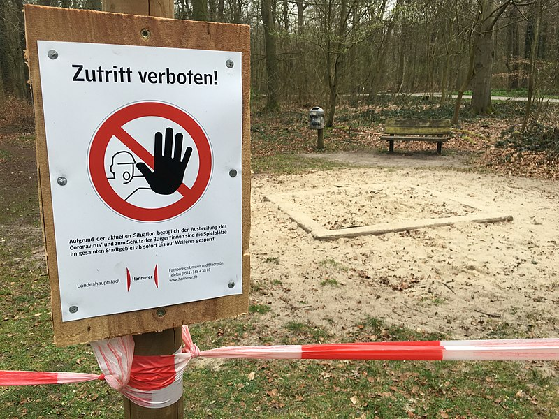 File:Closed playground in Eilenriede (Hannover, Germany) during COVID-19 pandemic.jpg
