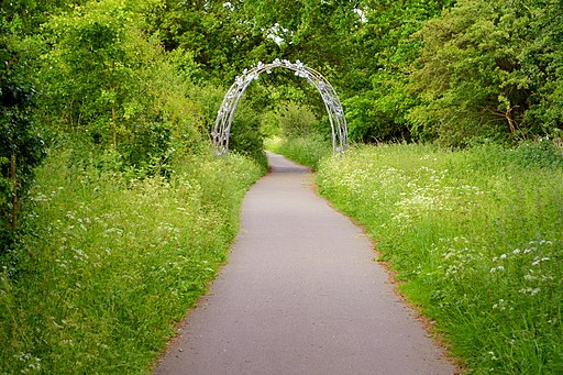 Cmglee Alban Way arch