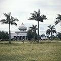 Collectie NMvWereldculturen, TM-20026021, Dia- 'Sumatra, tussen Kotanopan en Bukittinggi, een Mesdjid', fotograaf Boy Lawson, 1971.jpg