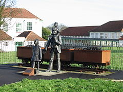 Commemorative statue showing Aylesham's history of mining..jpg