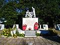 Communal grave of Soviet soldiers (Melnikovo).jpg