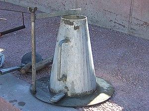 Concrete slump test - Image: Cono de Abrams 01