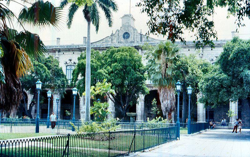 File:Cuba L'Habana palazzo del governatore.jpg