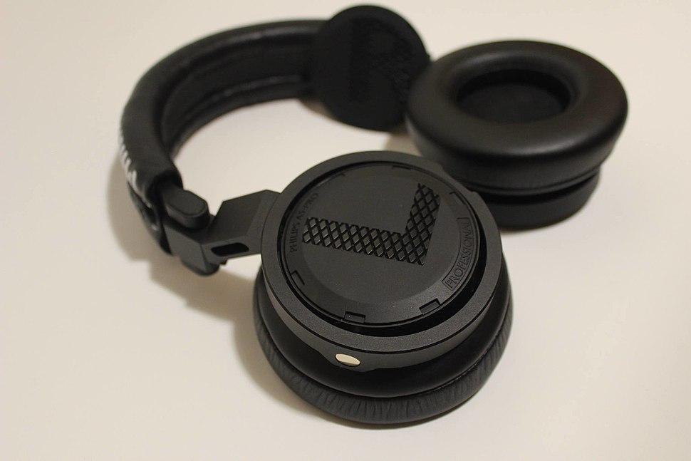 DJ headphones by Philips A5-PRO