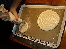 Inexpensive Plastic Cake Stands