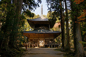 Mount Kōya - Image: Danjogaran Koyasan 08n 4272