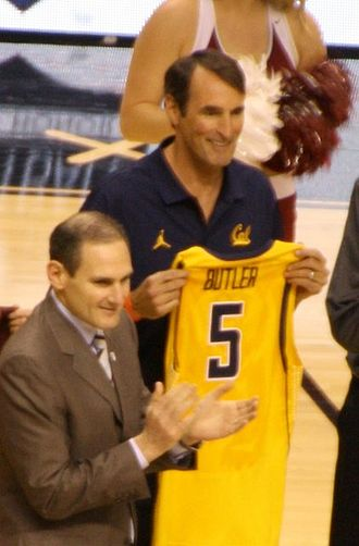 Dave Butler (basketball, born 1964/1965) - Butler (right) during 2014 Pac-12 Hall of Honor ceremony