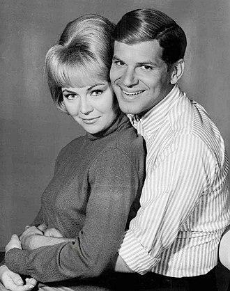 Hank (1965 TV series) - Dick Kallman and Linda Foster.