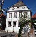 Die Steine für das Rathaus holte man 1725 aus dem ruinösen Oberschloss. - panoramio.jpg