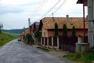 Dlhé Stráže - Dlhé Stráže - main road