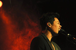 Indonesian Australians - Dougy Mandagi of The Temper Trap