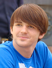Drake Bell 2007 cropped retouched.jpg