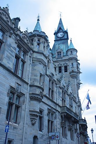 James Campbell Walker - Dunfermline City Chambers, detail as seen from the south