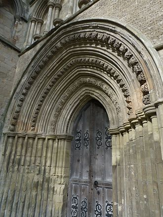 Dunstable Priory - Small portal detail