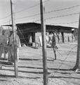 ETH-BIB-Abessinisches Gefängnis, mit Stacheldraht umzäunt-Abessinienflug 1934-LBS MH02-22-0650.tif