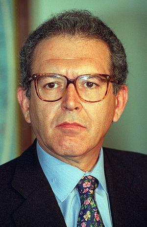 Serra, Eduardo (1946-)