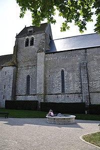 Eglise notre-dame de fontaines en sologne.jpg