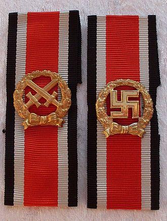 Honour Roll Clasp - Image: Ehrenblattspange Heer