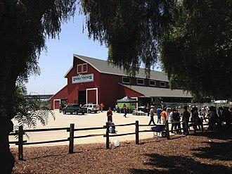Emma Prusch Farm Park - Image: Emma Prusch Farm Park 4 H Barn Exterior