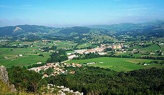 Entrambasaguas - View to the village of Entrambasaguas from the Vizmaya Peak.