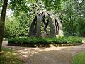Erfurt Hauptfriedhof Gruftanlage für Gärtnermeister Carl Schmidt, von Hans Walther 1.JPG
