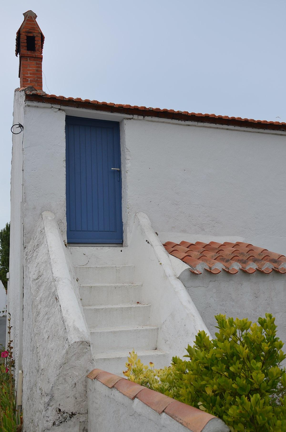 Escalier Dans Maison Ancienne file:escalier extérieur d'une ancienne maison vendéenne