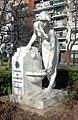 Escultura Fuente de la Doncella de Llimona Brughera.jpg