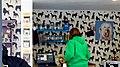 Eton - High Street - Widok wnętrza sklepiku z karmą dla zwierząt - panoramio.jpg