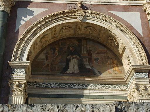 Facciata di santa maria novella, arco portale