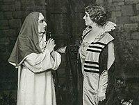 Farrar Perini Suor Angelica 1918.jpg