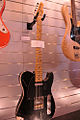 Fender Custom Shop Master Built By Dennis Galuszka 1960 Heavy Relic Telecaster, Salon de la Musique et du Son 2008.jpg