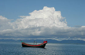 Fishing boat on Bay of Bengal.JPG