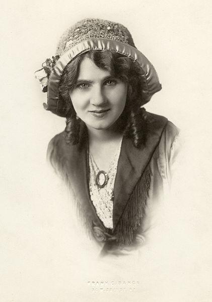 File:Florence Lawrence02 1908.jpg
