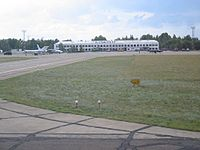 Flughafen pawlodar.jpg