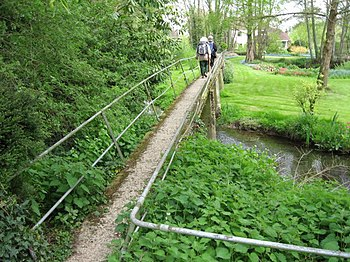 English: Footbridge over Garden The public foo...
