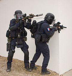 groupe d 39 intervention de la gendarmerie nationale wikip dia. Black Bedroom Furniture Sets. Home Design Ideas