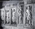 Grabplatten der Thüringer Landgrafen Reinhardsbrunn.png