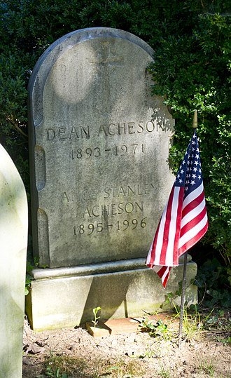 Oak Hill Cemetery (Washington, D.C.) - Image: Grave of Dean Acheson Oak Hill Cemetery 2013 09 04