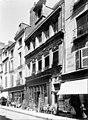 Hôtel Pélisson (ancien) - Façade sur rue, en perspective - Poitiers - Médiathèque de l'architecture et du patrimoine - APMH00016579.jpg