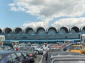 Henri Coandă International Airport - Arrivals hall