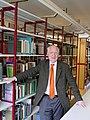 Hans Walter Lack in der Bibliothek des Botanischen Museums Berlin.jpg