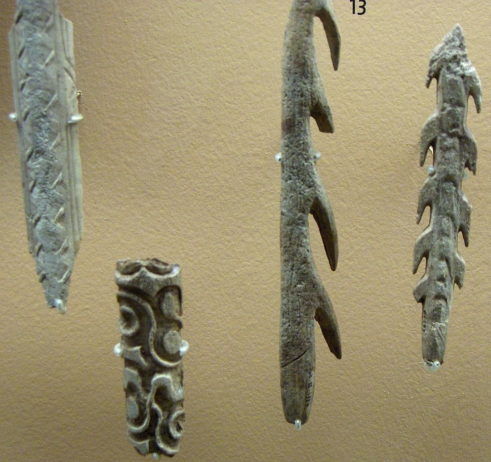 Harpons et bâtons sculptés