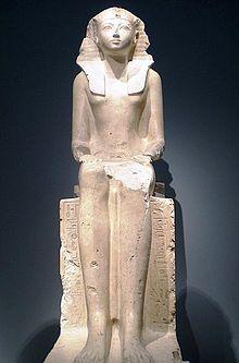 Statua calcarea di Hatshepsut. Metropolitan Museum of Art, New York.