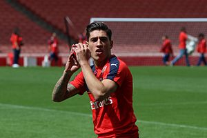 Hector Bellerin Arsenal Members' Day 2015 (20116575665).jpg