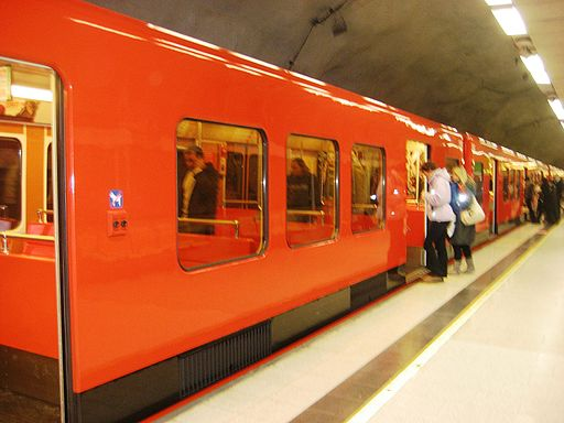Helsinki Metro Train Station - Flickr - anantal (1)