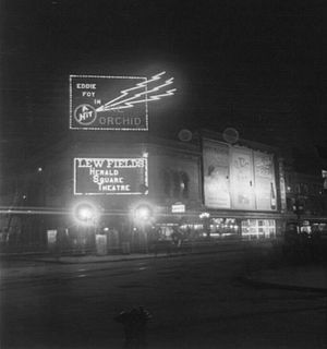 Herald Square Theatre - Image: Herald Square Theatre at night