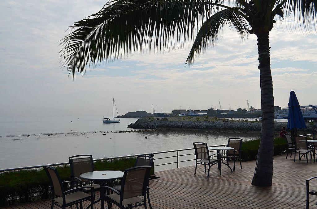 Heritage Park Hotel, Honiara (22065195484).jpg