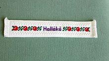 220px Holloko bookmark - סימניה בבושקית