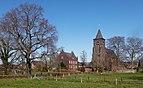 Hommersum, de katholische Pfarrkirche Sankt Petrus Dm24 met het Pfarrhaus Dm25 IMG 4094 2020-04-05 15.39.jpg