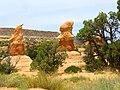 Hoodoos in Devil's Garden DyeClan.com - panoramio.jpg